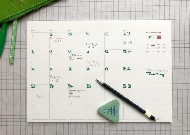 Etiket Month Planner in use