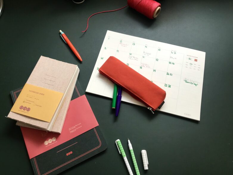 Etiket collection on the desk
