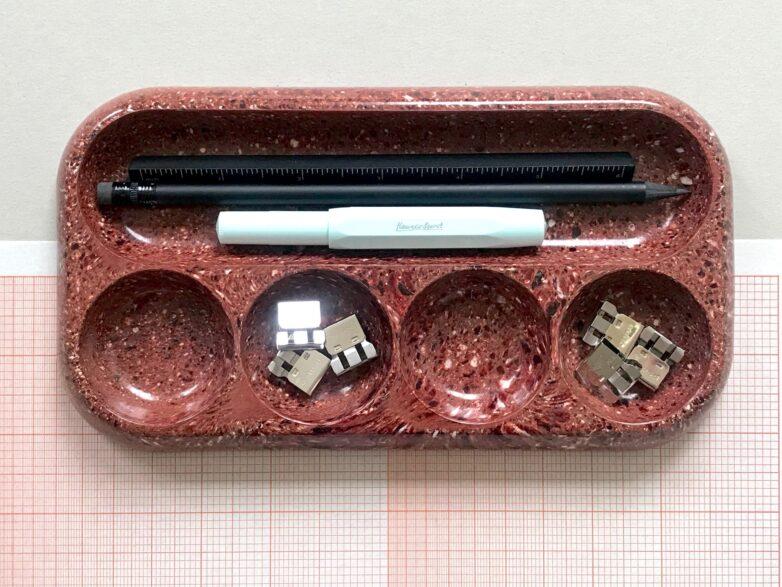 Bakelite Tray in dusty red