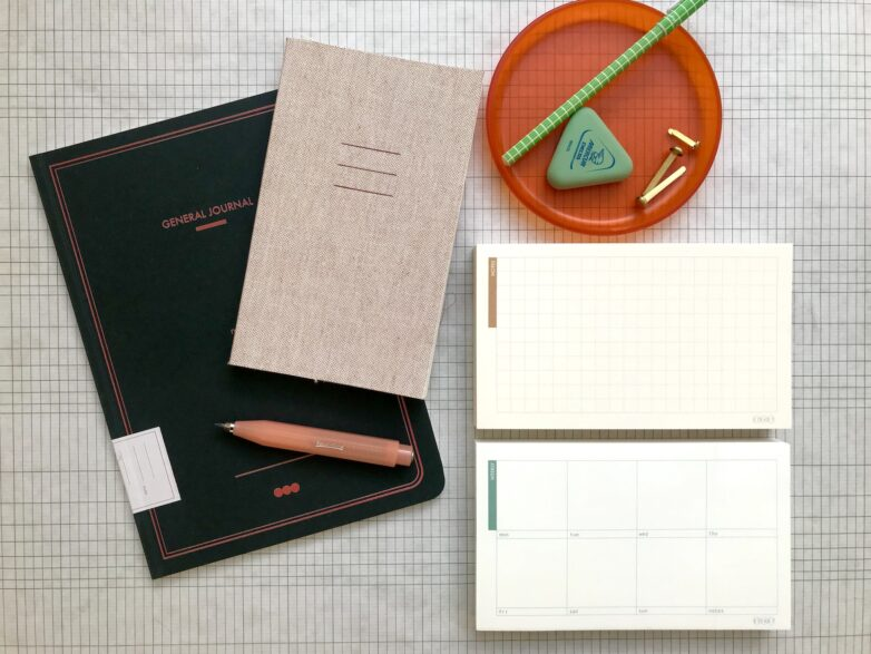 General Journal, Notebook Linen and 2 Notepads