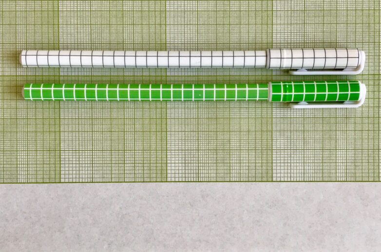 Pattern Pen white and green
